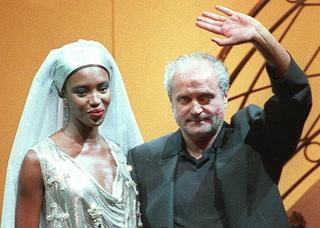 Veinte años del crimen que dejó a la moda sin Versace