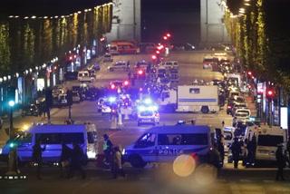Tiroteo en París deja un policía muerto