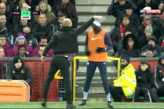 El momento curioso entre Pep Guardiola y Mangala en el clásico