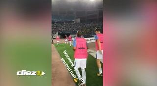 Rigoberto Rivas aparece como suplente en el partido amistoso entre el Inter y el Schalke 04