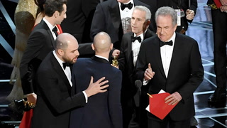 Hollywood honors itself at the Academy Awards and still fails