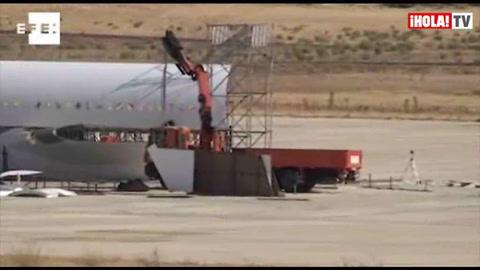 El avión de la película \'Los amantes pasajeros\', de Almodóvar, toma forma en Ciudad Real