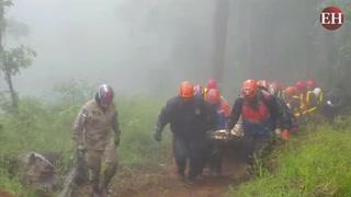Accidente: Momento en que cuerpos de víctimas son rescatados
