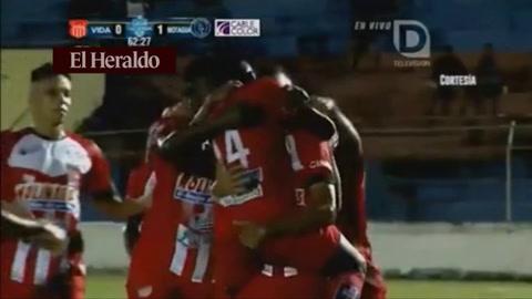 Vida empata el marcador ante Motagua 1-1 en el estadio ceibeño