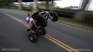 ATV motoruyla karşıdan gelen otomobile çarptı
