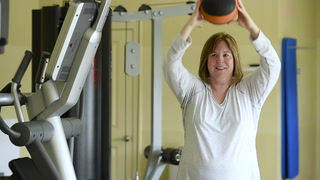 Spine patient Randi Marks benefits from pioneering use of stem cells.