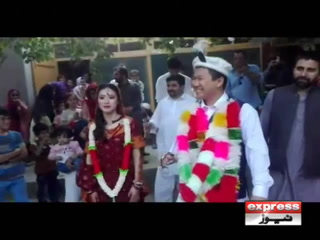 """غیر ملکی جوڑی کا اپنی شادی کیلئے پاکستان کی جنت نظیر وادی """"ہنزہ"""" کا انتخاب"""