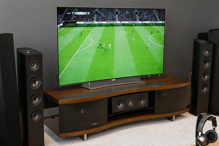 What are some positively reviewed LG televisions?