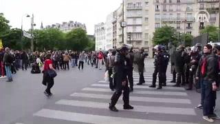 Fransa'da grev ve isyan büyüyor