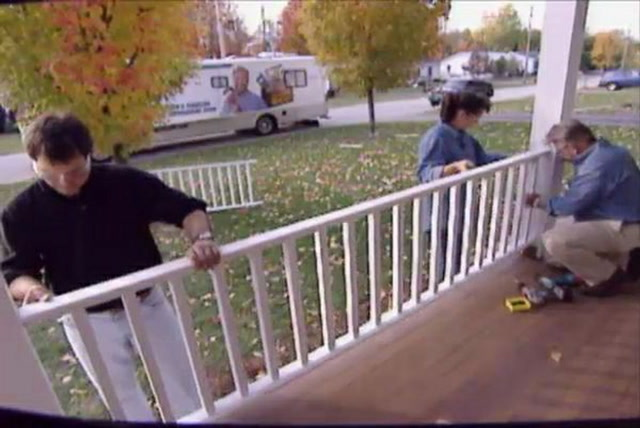 How to build a porch railing diy projects videos solutioingenieria Choice Image