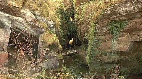 I luoghi del cuore, le grotte del Caglieron sul podio