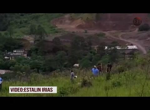 excavaciones en área de supuesto cementerio clandestino en El Lolo