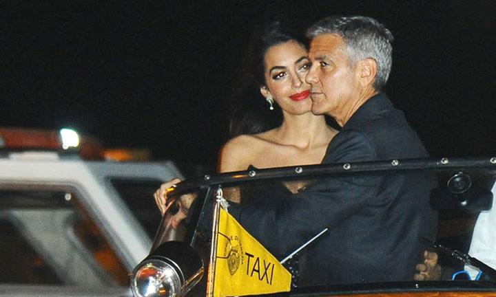 George y Amal Clooney emulan en Venecia las imágenes de las celebraciones de su boda
