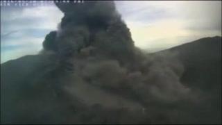 Erupción del Turrialba afecta a la capital costarricense