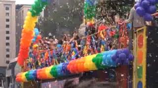Sao Paulo celebra multitudinario desfile gay