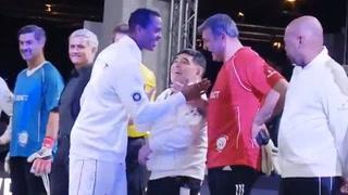 Kluivert ignora a Maradona y su reacción se vuelve viral