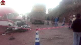 Un muerto y diez heridos tras brutal colisión en Cantarranas