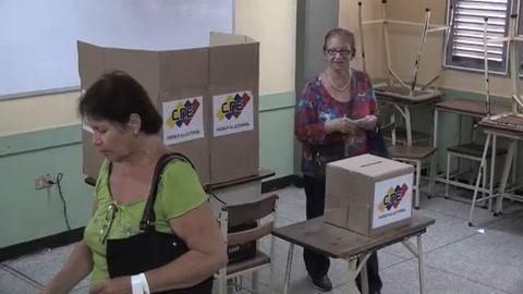 Gobierno venezolano celebra victoria en comicios regionales