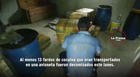 Incautan 13 fardos de cocaína que venían en avioneta en Olancho