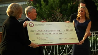 FSU Student Foundation presents a $15,000 check to the Office of Undergraduate Research