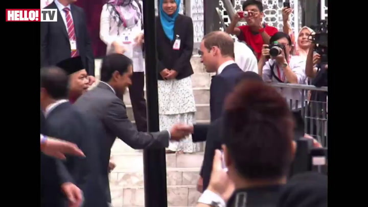 Kate\'s first ever visit to a mosque during South East Asia Tour