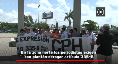 En la zona norte los periodistas exigen con plantón derogar artículo 335-B