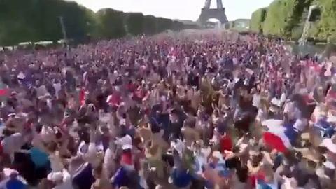 Locura total en Paris tras coronarse Campeones del Mundo