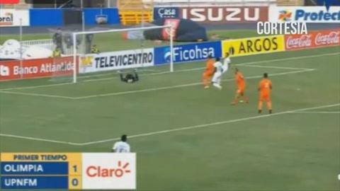 Olimpia se va al descanso ganando 1-0 a la UPNFM en el estadio Nacional