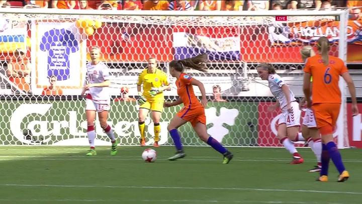 Danmark er bagud - Holland scorer til 2-1