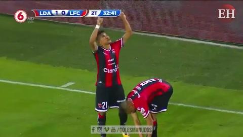Roger Rojas anota su primer gol en la liga costarricense