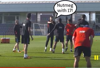 A 60 toques: El sufrimiento de Luis Suárez en el entrenamiento del Barcelona