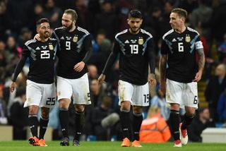 ¡Sin Messi!  Argentina derrota 2-0 a Italia con goles de Banega y Lanzini