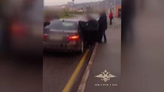 Familia finge su muerte para capturar a su propio hijo