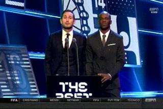 ¡DE LUJO! El hondureño David Suazo premió al 11 ideal de la FIFA