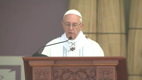 El papa condena en Trujillo inseguridad y crimen organizado