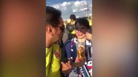 Colombiano se aprovecha de seguidoras japonesas