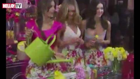 Miranda Kerr joins Victoria\'s Secret models at fragrance launch
