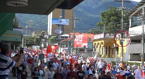 Seguidores de la Alianza de Oposición también marcharon hoy en San Pedro Sula
