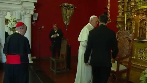 El papa cierra su visita a Perú con condena a la corrupción