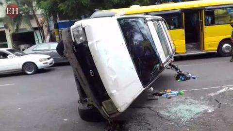Conductor de vehículo se salva de morir en accidente en Comayagüela