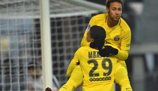 PSG venció 4-1 a Rennes con doblete de Neymar