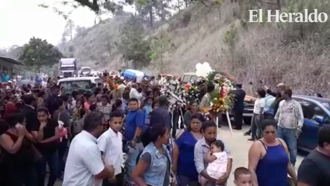 Tegucigalpa: Sepultan restos de bombero fallecido en incendio