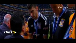 El incomprendible gesto de André Gignac al recibir su medalla de campeón