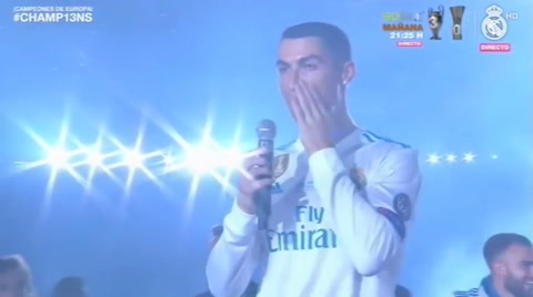 Los jugadores del Real Madrid le gritan a Cristiano Ronaldo