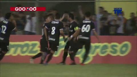Carlos Sánchez marca de penal el 1-0 ante Lobos UPNFM