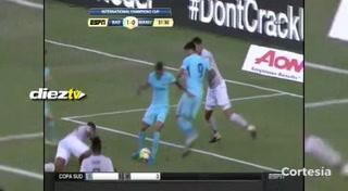 GOOOOOOLL DE NEYMAR: Al minuto 31 el brasileño aprovecha error de Antonio Valencia y marca el 1-0
