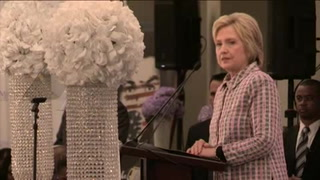 Clinton rechaza postura de Trump sobre uso de armas