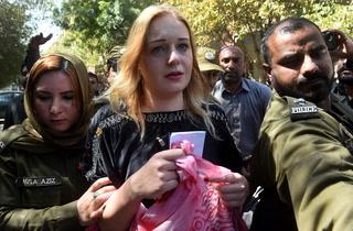 منشیات اسمگلنگ کیس۔۔۔ لاہور کی عدالت نے غیر ملکی ماڈل کو سزا سنادی