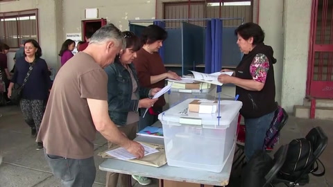 Chilenos eligen este domingo a sucesor de Bachelet