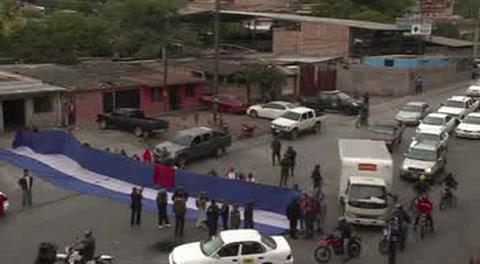 Desalojan rutas bloqueadas en protesta por